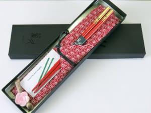 輪島うるし塗 南天 箸袋(赤)梅の花箸置き(陶器)セット