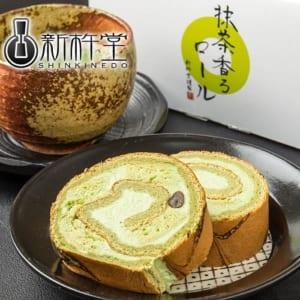 もちもち☆食感の特製生地と濃厚抹茶風味のロールケーキ
