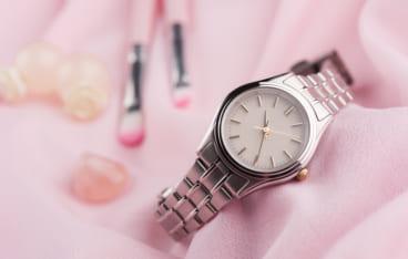 2a47e4af9b 20代女性におすすめ】プレゼントに人気のレディース腕時計をご紹介 ...