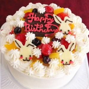 うさちゃん生クリームデコレーションケーキ