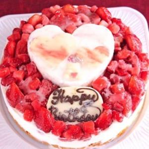 【アイスケーキ・6号】ハートが可愛い!フローズンいちごの生乳ケーキ