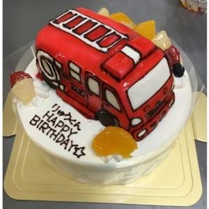 【立体ケーキ・7号】生クリームデコレーションケーキ