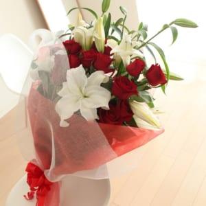 【花束】カサブランカと赤バラのボリューム満載の花束