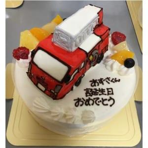 のりもの立体生クリームデコレーションケーキ