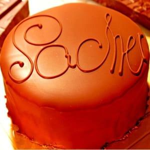 最高級洋菓子 ウィーンの銘菓ザッハートルテ チョコレートケーキ12cm 【記念日プレート付】