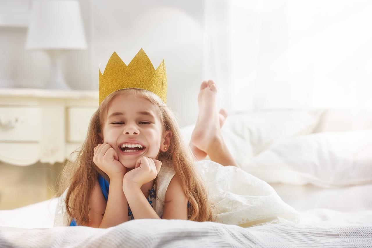8dabb8183d8979 6歳の誕生日を迎える女の子は、小学生になる1つ前の年です。幼稚園や保育園では、下の子の面倒をみてあげるようなお姉さんらしさも育ってくるのがこの頃です。
