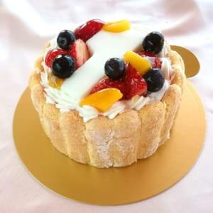 ヨーグルトクリームケーキ