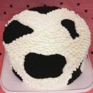 かわいくっておいしそ~なうし柄デコレーションケーキ