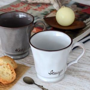 デザイナーが手描きで名入れする特別なマグカップ