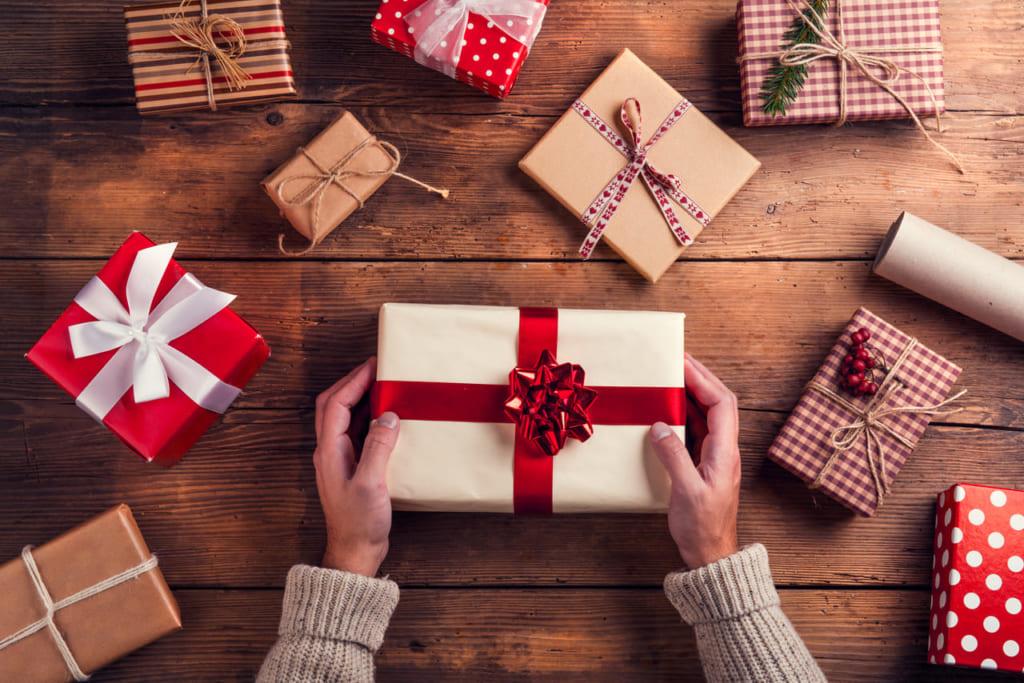 プレゼントに喜ばれる!イラストギフト大特集【誕生日・クリスマス・ウエディングetc】 | Giftpedia