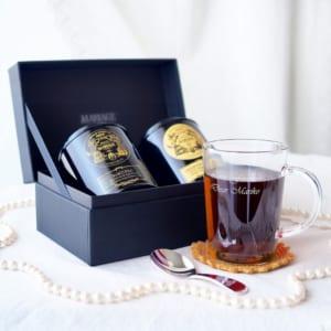 マリアージュ フレールの本格紅茶と名入れガラスマグカップの「格別な香りのくつろぎタイム」セット by スマートギフト