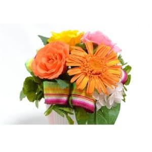 ビタミンカラーのバラとガーベラ