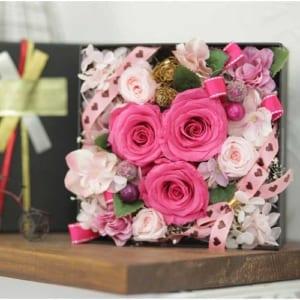 《花の宝石箱》プリザーブトBOXフラワー