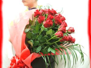 バラの花束 誕生日プレゼント フラワーギフト 20本から69本までご希望の本数でお作りします★バラ花束 還暦祝い 60本バラ 母 誕生日 by 花束・バラ・花卸販売サンモクスイ
