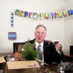 【退職祝いに贈るギフト】定年を迎える男性へおすすめのプレゼント&感謝を伝えるメッセージ