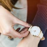 【年代別】彼女への誕生日プレゼントに今人気のブランド時計をご紹介!【選び方&予算】
