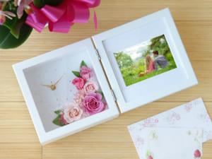 【名入れ】 プリザーブドフラワー クロック&フォト [ピンク・オレンジ] 二人の記念日のお祝いに、誕生日のプレゼントに by スマートギフト