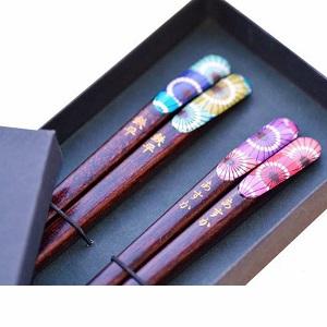 【名入れ】名前入り夫婦箸セット 和傘 【専用ギフトボックス】 by 名入れできる雑貨屋 リコルド