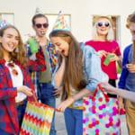 【男女別】中学生の友達への誕プレはこれで決まり!安くても思い出に残るおすすめギフト30選!