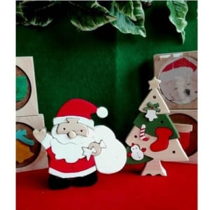 【ラッピング無料】 《クリスマスアイテム》 ☆サンタとクリスマスツリーの組み木セット☆ 【クリスマス】 【サンタクロース】 【クリスマスツリー】 【国産】 【ヒノキ】 【名入れ可能】 by ナチュラルウッディきりかぶ