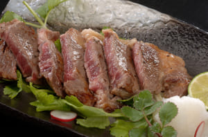 京都モリタ屋 ロースステーキとすきやき