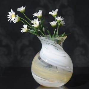 水彩世界 ガラス 花瓶 花のしずく 花器 大きい 無料ラッピング 可 おしゃれ 日本製 大きな フラワーベース 青森 津軽 職人 大型 生け花 まるい 活花 生花 活け花 丸い ブーケポット きれい キレイ 国産 かわいい ギフト 贈り物 プレゼント by Lifeit(ライフイット)