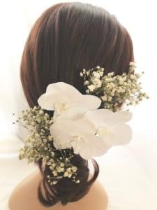 胡蝶蘭とカスミ草の髪飾り ヘッドドレス