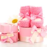 【出産祝い】家族や友達、会社の人に!ママにも喜ばれる人気のプレゼント決定版
