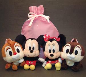 Disneyディズニー超人気ぬいぐるみ(ミッキー・ミニー)と(チップ・デール)のギフト袋入り(ピンク)の4点セット、送料無料(沖縄・離島などを除く)誕生日・クリスマスギフト、出産祝いギフト、結婚祝いギフト、ブライダルドール、お年玉ギフト by オダジマ・アート