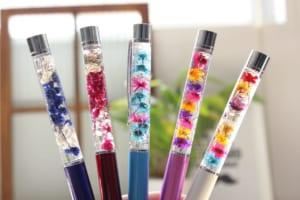【選べる20色!】ハーバリウムボールペン by flannerica.