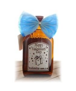 名入れのウイスキー【限定・ミニウイスキー300ml 彫刻ボトル】誕生日・還暦祝い・バレンタイン・ホワイトデー・母の日・父の日・記念ギフトにオススメ♪ by 名入れギフトのアートガラス