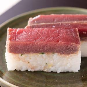 まぐろor中とろの漬け寿司