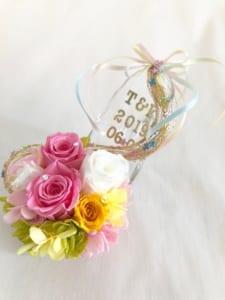 【プリザーブドフラワー/ガラスの靴ミニシリーズ】プリンセスの金色の髪の魔法のミニサイズのガラスの靴 by 世都華プリザーブドフラワーギフト専門店
