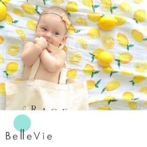 Sweet dreamsモスリンコットンベビーおくるみ by Belle Vie