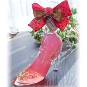 『送料無料』限定・リキュールボトル・シンデレラシュー名入れリキュール【シンデレラのガラスの靴リキュール350ml】クリスマスプレゼント・サプライズギフト・プロポーズギフトにオススメ♪ by 名入れギフトのアートガラス