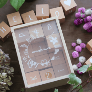 木製アルファベットブロック(alphabet blocks)