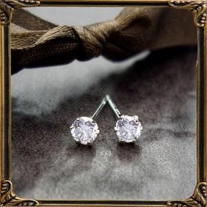 【即日発送可】【0.3ct】一粒ダイヤモンドピアス【pt900】 『憧れのティファニー爪』 計0.3カラット『SIクラスの強い輝きを放つ』プラチナピアスがこのお値段で?驚きの輝き♪(LP-0139) by Luge Jewelry