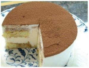 軽いシフォンケーキにまったりとしたティラミスクリーム