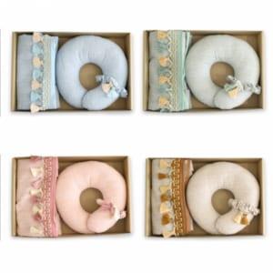 【送料無料】Esmeralda(エスメラルダ)授乳ケープ ベビー用枕 ギフトセット【日本製】インポートデザイン ドーナツ枕 シュシュ 授乳カバー 母乳 by BABY+ALICE(ベビーアリス)