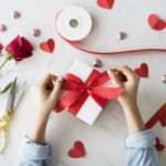 オリジナルラッピングで結婚祝いを贈ろう<ラッピングの基本や簡単アレンジも併せて紹介>