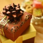 【お世話になったあの人に】退職祝いに贈るお菓子のギフト33選【予算相場・のし・渡し方も】