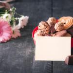 【退職祝いのお返しにはお菓子!】最後の挨拶は美味しいお菓子で笑顔に!おすすめお菓子をピックアップ!