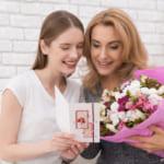 【高校生必見】低予算でもOK!お母さんが喜ぶ誕生日プレゼントをお教えします!