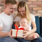 出産祝いの予算はどれくらい?関係別の相場&予算別のおすすめギフト25選
