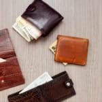 【三つ折り財布】コンパクトさが魅力!今注目の人気ブランドとおすすめ財布大特集!