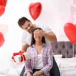 彼氏から彼女へ贈る「逆バレンタイン」が流行中!心をつかむプレゼント30選