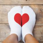 バレンタインに靴下をプレゼントする意味とは?王道ブランド&男性の心をつかむ人気アイテム