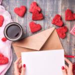 本命彼へのバレンタイン!チョコに添えるプレゼントは手紙や小物が人気〈おすすめ25選〉