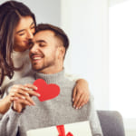 男性がもらって嬉しいバレンタインのプレゼントを徹底調査