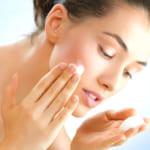 デパコスの洗顔アイテムを使って素肌美人に!おすすめブランドやデパコス並みの商品も紹介